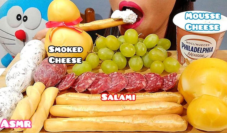 EATING SMOKED SCAMORZA CHEESE, SALAMI & PHILADELPHIA MOUSSE CHEESE ASMR 먹방 Real Sounds