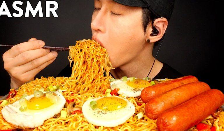 ASMR SPICY INDOMIE MI GORENG & SAUSAGE MUKBANG (No Talking) COOKING & EATING SOUNDS | Zach Choi ASMR