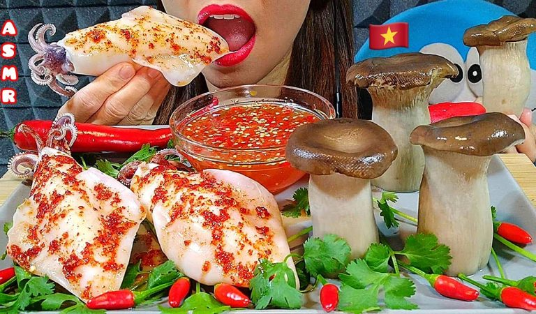 EATING GIANT SQUID & KING OYSTER MUSHROOMS IN RED SPICY SAUCE ASMR Real Sounds