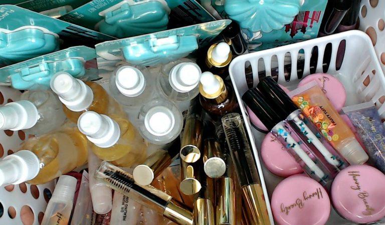 ASMR Makeup Rummage *Gloves On* Satisfying Makeup