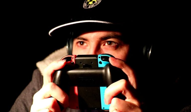 LE PRO GAMER ASMR ( sur Switch )