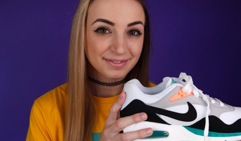 ASMR New Sneakers Tapping//Scratching//Whispering