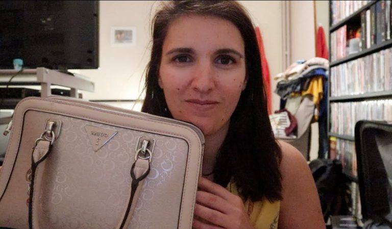 ASMR – What's in my bag