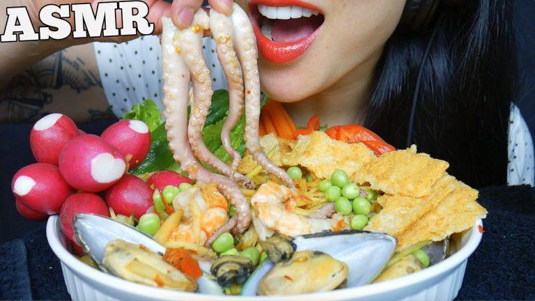 "Asmr À¸ª À¸¡à¸•à¸³à¸‹ À¸Ÿ À¸"" Seafood Thai Spicy Papaya Salad Fresh Veggies Eating Sound No Talking Sas Asmr Asmrhd Asmr (autonomous sensory meridian response) is a euphoric experience identified by a tingling sensation that triggers positive feelings, relaxation and focus. asmrhd"