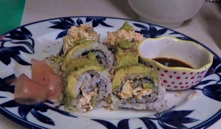 ASMR Vegan Spicy «Crabmeat» Inside Out Sushi Roll!