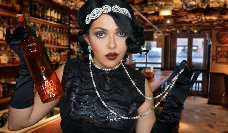 ASMR 1920 Dona de Bar durante Lei Seca Te Vende Cachaça e Conta os Babados #VozSuave #ASMRbrasil