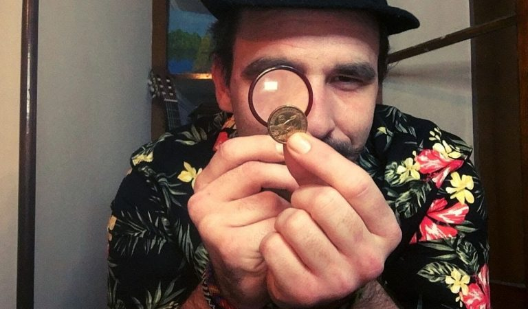 THE SKETCHY PAWN SHOP ROLE PLAY (ASMR)