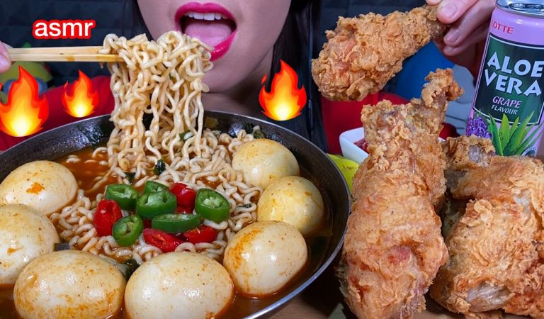 ASMR SOUPY SPICY NOODLES, FRIED CHICKEN, EGGS, CHILI 먹방 MUKBANG MASSIVE Eating Sounds